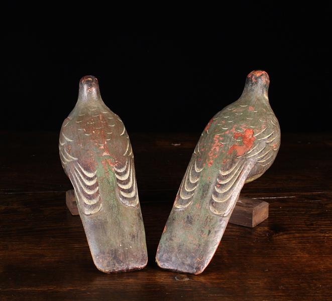 """A Pair of Delightful Late 19th Century Folk Art Painted Wooden Pigeons, 14"""" (36 cm) in length. - Image 2 of 2"""