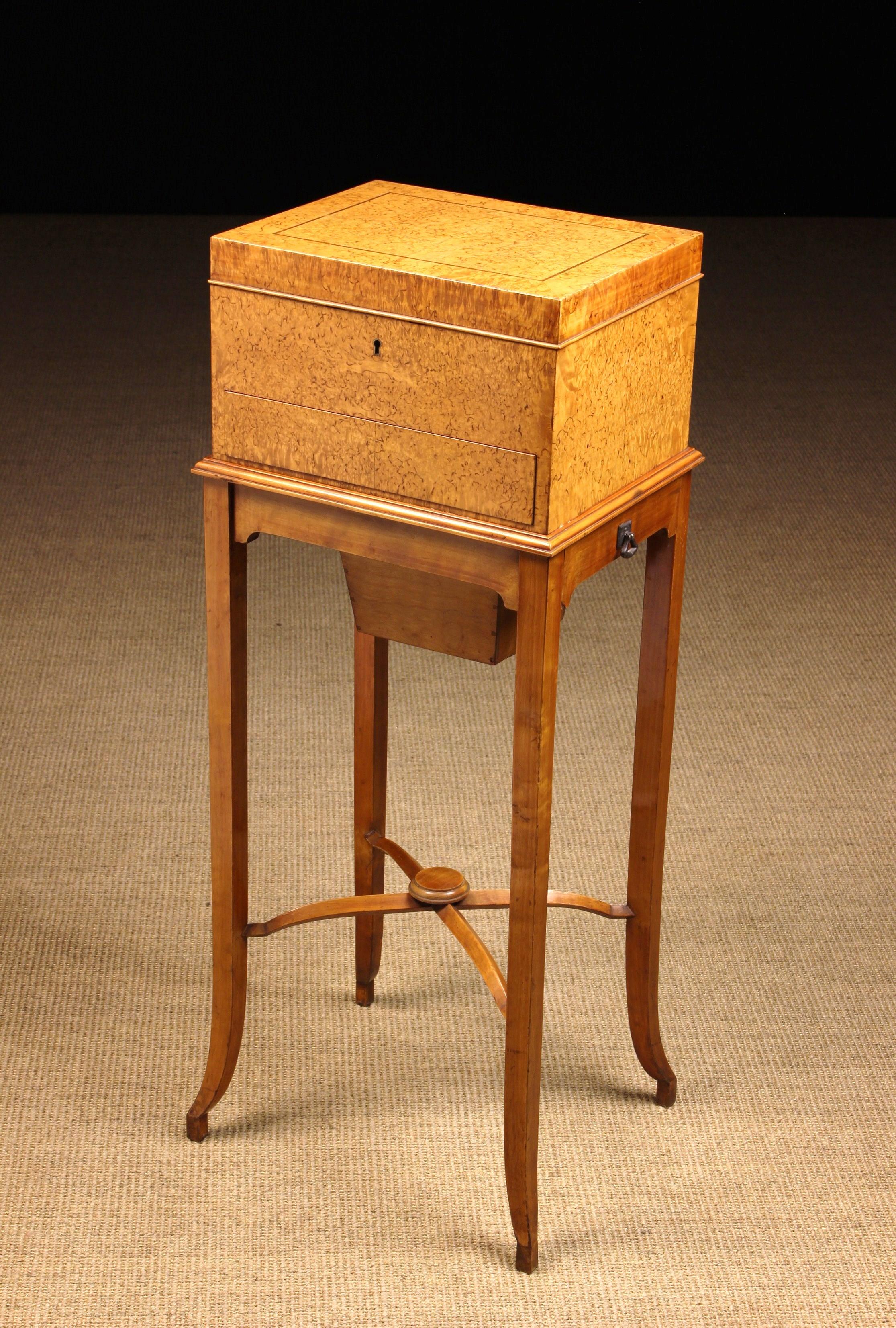 A Fine Scandanavian Figured Birch Vanity Box on Stand. - Image 2 of 2