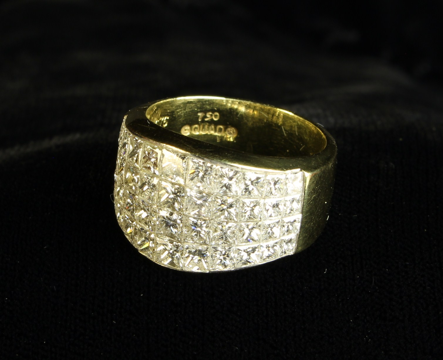 An Impressive Lady's 14ct Yellow Gold Ring, - Image 5 of 7
