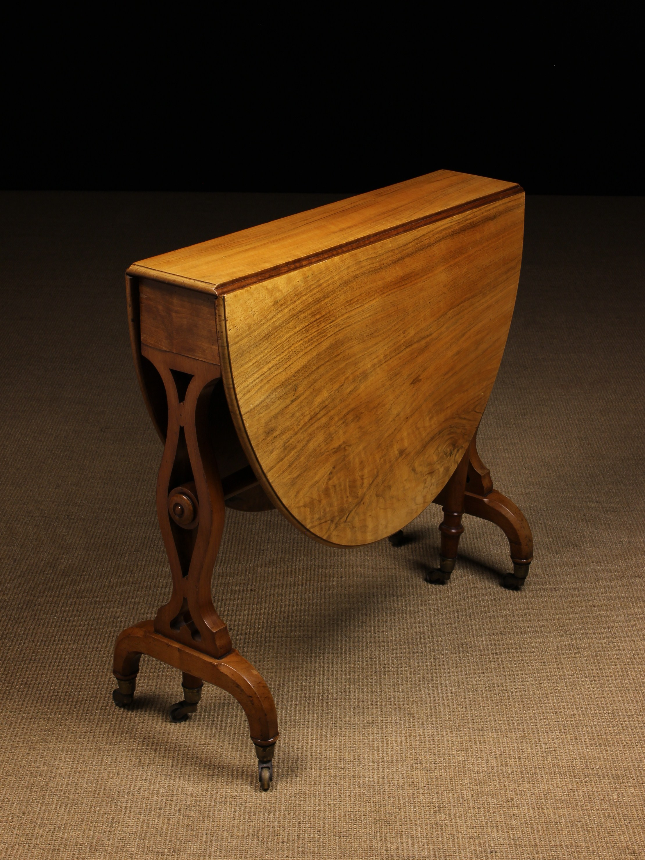 A Fine Early Victorian Holland & Sons Walnut Sutherland Table. - Image 2 of 2