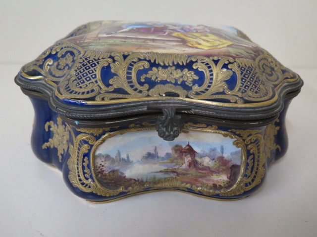 A continental hand decorated shaped porcelain trinket casket with serves style mark, 11cm tall x - Image 2 of 9