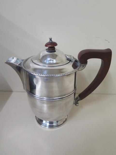A Mappin and Webb silver pot with insert, Birmingham 1937/38, 18cm tall, approx 14.9 troy oz large