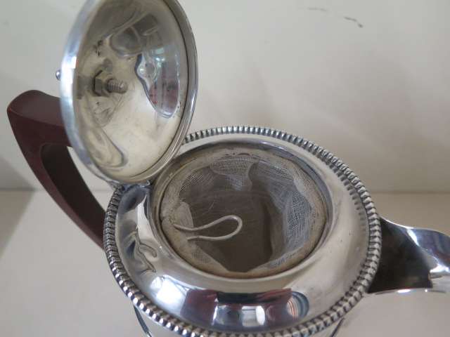 A Mappin and Webb silver pot with insert, Birmingham 1937/38, 18cm tall, approx 14.9 troy oz large - Image 6 of 6