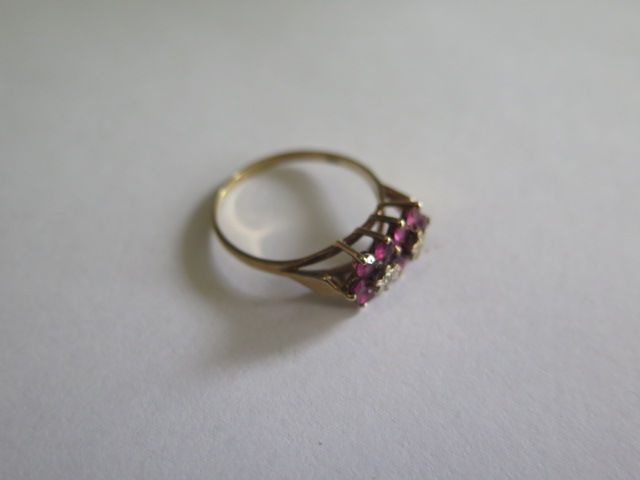 A hallmarked 9ct yellow gold diamond and ruby cluster ring, size U, approx 2.5 grams, in good - Image 3 of 3