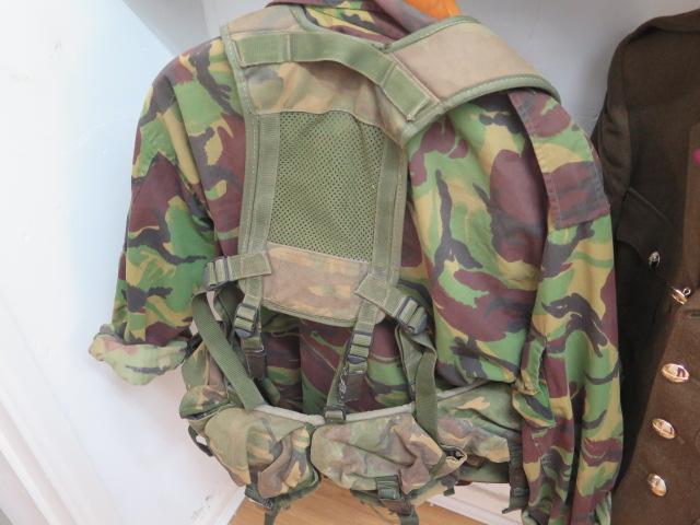 A Parachute Regiment officers uniform including combat gear 1980-1999 and modern Para beret - Image 5 of 5