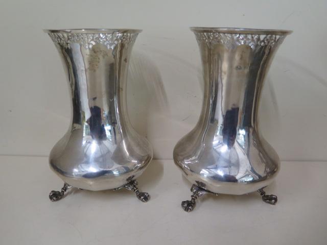 A pair of Elkington & Co silver vases, Birmingham Reg no 597344, 16cm tall, approx 15.8 troy oz,