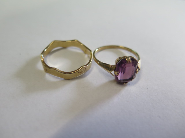 Two 9ct gold rings, sizes N and P, approx 3.9 grams, both generally good with some small wear