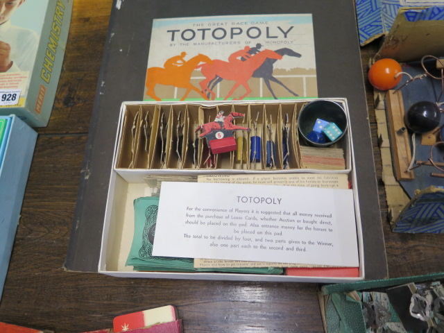 A selection of board and other games and a Chemistry set - Image 4 of 6