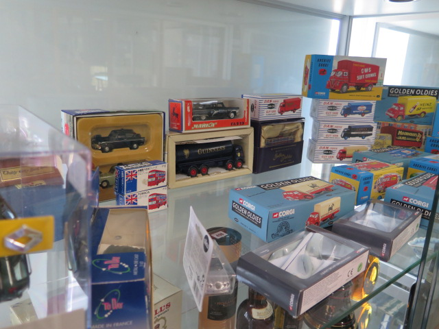 A collection of boxed diecast vehicles including Archive Corgi, Dan-toys Solido, 26 in total
