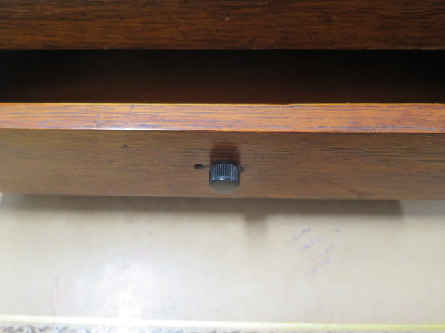 An oak desk stand with two bottles, replacement handle and one loose bottle top otherwise reasonably - Image 2 of 4
