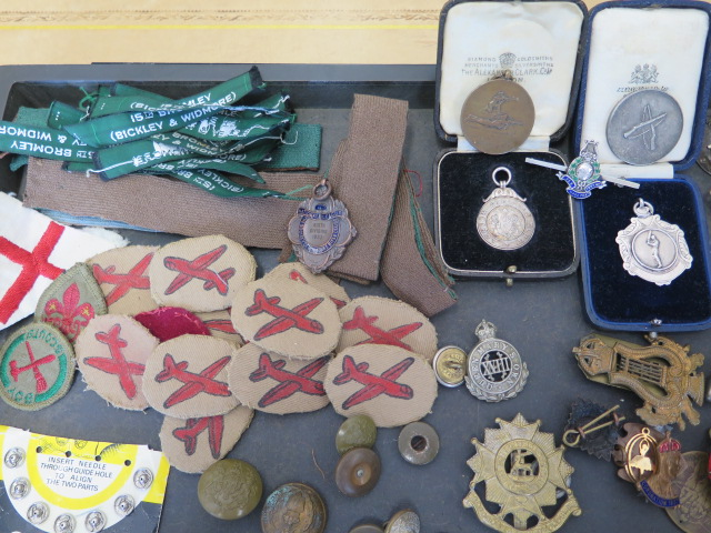 A collection of military buttons, badges, boy scout Glider patches Kings Own Regiment titles and - Image 2 of 5