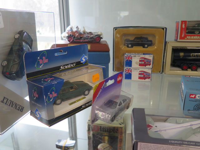 A collection of boxed diecast vehicles including Archive Corgi, Dan-toys Solido, 26 in total - Image 2 of 7