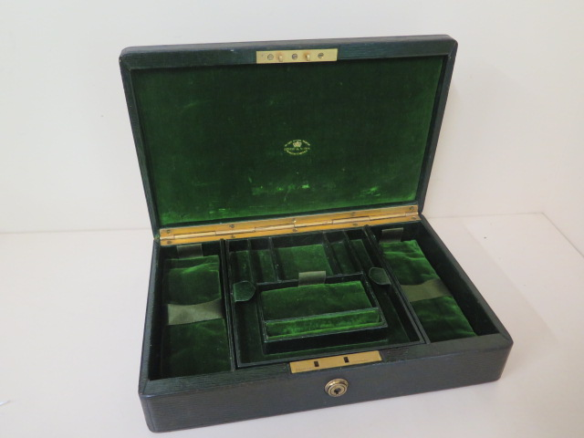 A Drew and Son early 20th century leather jewellery box with Braham lock, no key but good condition, - Image 2 of 5