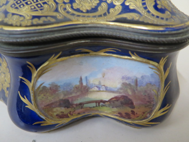 A continental hand decorated shaped porcelain trinket casket with serves style mark, 11cm tall x - Image 5 of 9