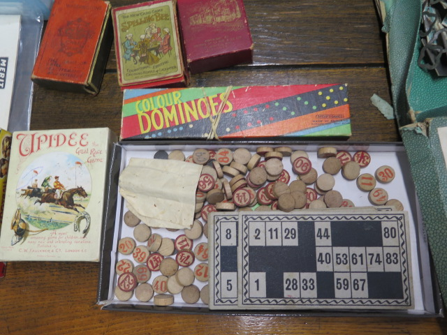 A selection of board and other games and a Chemistry set - Image 5 of 6