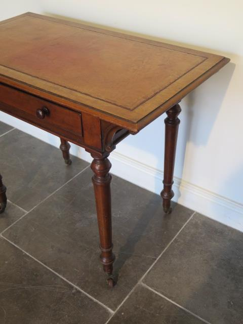 A Victorian mahogany side table with a single drawer and leather inset on top on turned legs, 73cm - Image 3 of 3