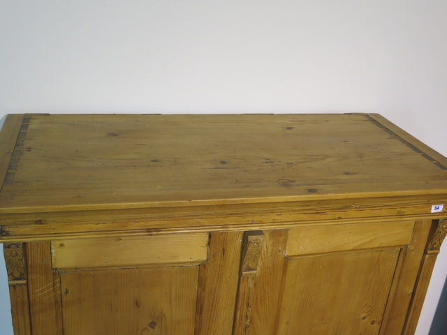 A 19th century pine continental two door cupboard, 130cm tall x 120cm x 59cm ideal kitchen cupboard - Image 4 of 4