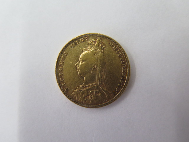 A Victorian full gold sovereign, dated 1890 - Image 2 of 2