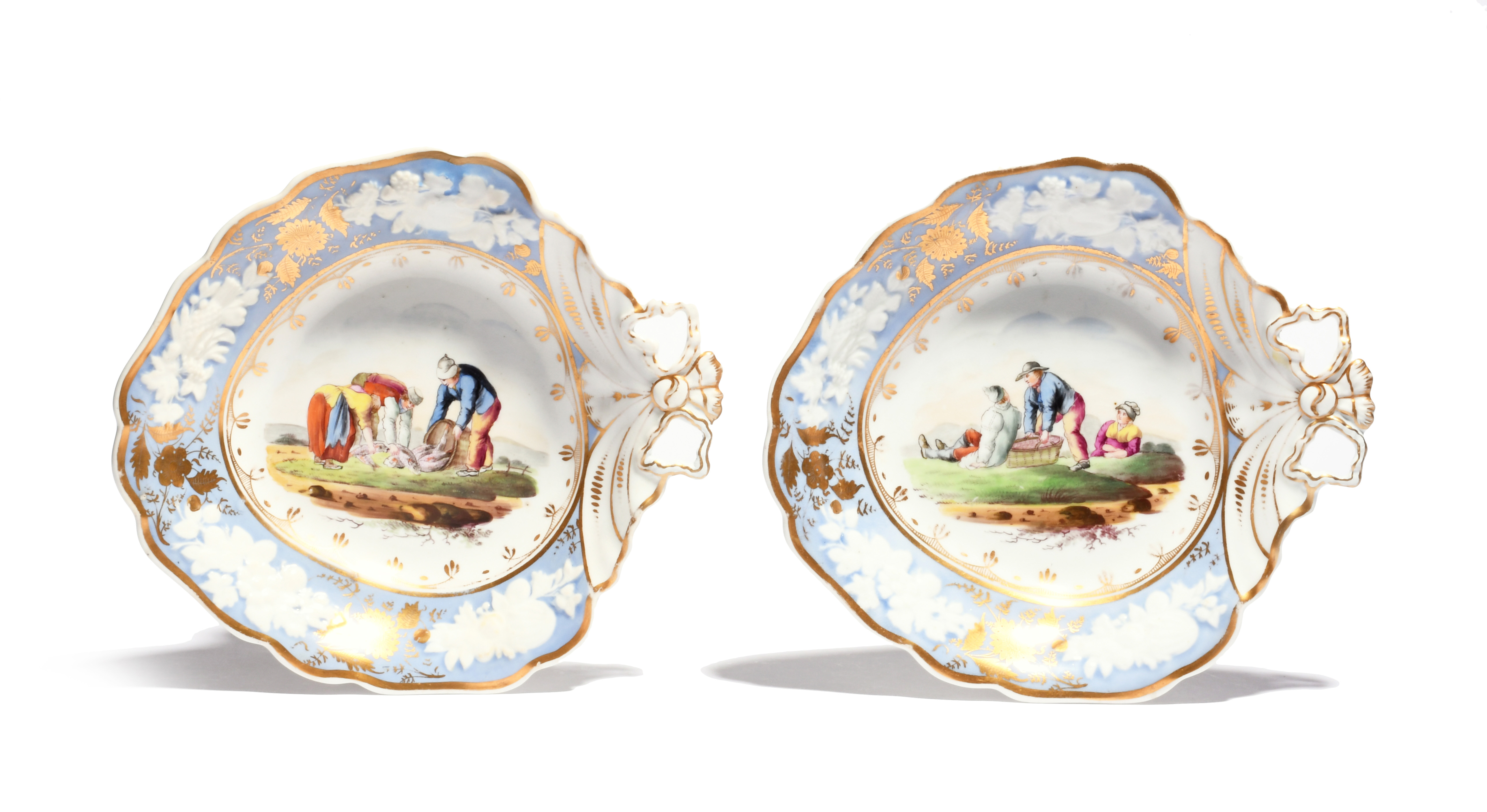 A pair of New Hall dessert dishes c.1810-20, decorated in pattern 2229 with peasant figures