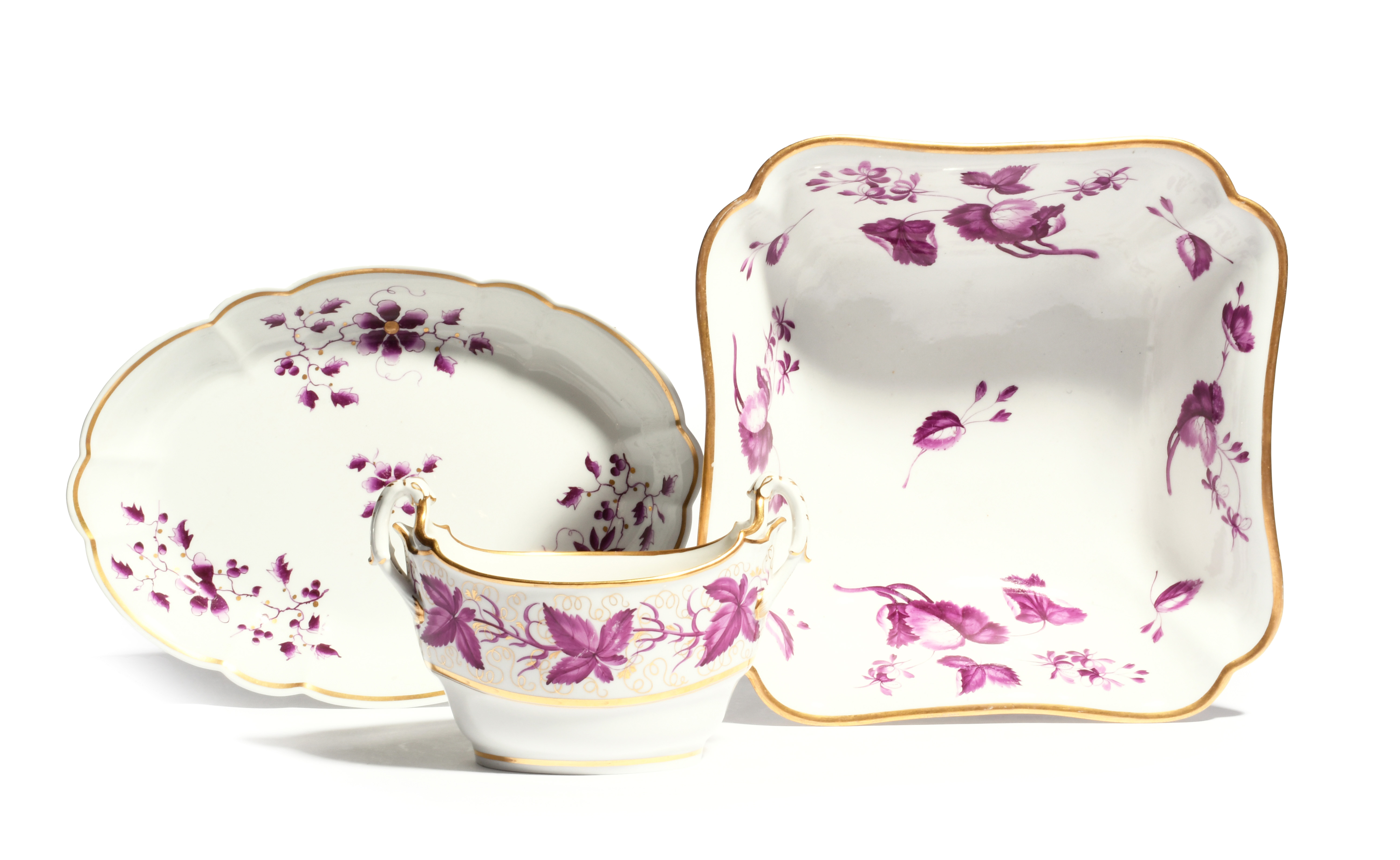 A large Barr Flight and Barr (Worcester) square bowl c.1800, painted in purple monochrome with leafy