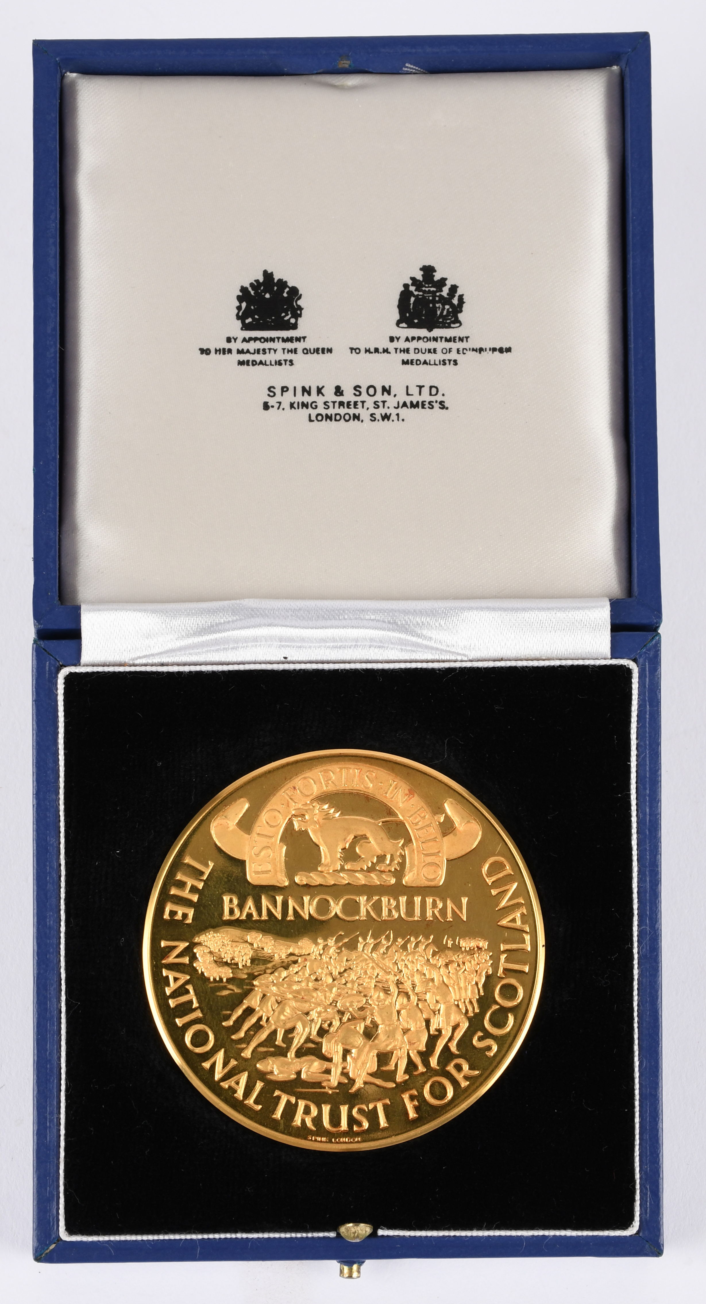 The National Trust for Scotland: Battle of Bannockburn 700th Anniversary, a 22 carat gold medal, - Image 2 of 3