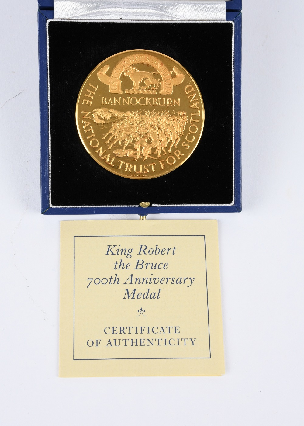 The National Trust for Scotland: Battle of Bannockburn 700th Anniversary, a 22 carat gold medal, - Image 3 of 3