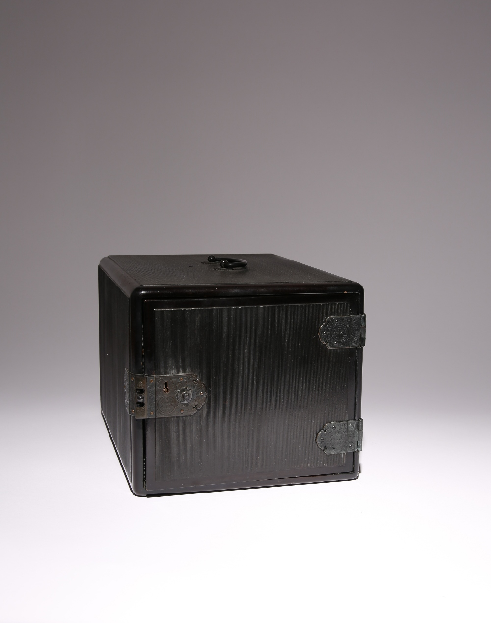 A JAPANESE BLACK LACQUER INRODANSU MEIJI PERIOD, 19TH CENTURY The inro box of typical rectangular - Image 3 of 3