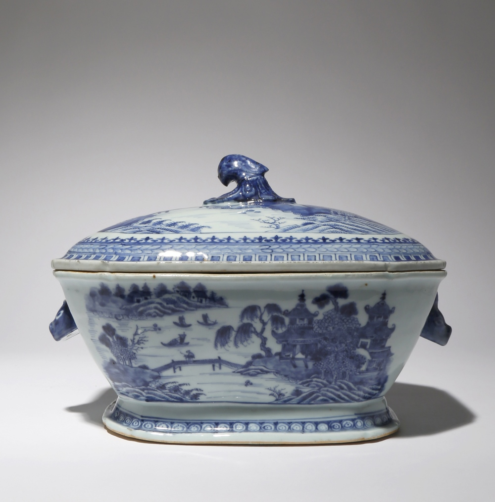 A CHINESE BLUE AND WHITE TUREEN AND COVER 18TH CENTURY The rectangular-section body with chamfered