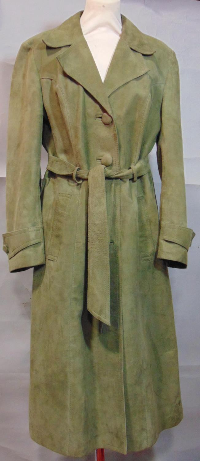 2 vintage ladies jackets including a short jacket by Cousins of Cheltenham in green woollen tweed - Image 2 of 6