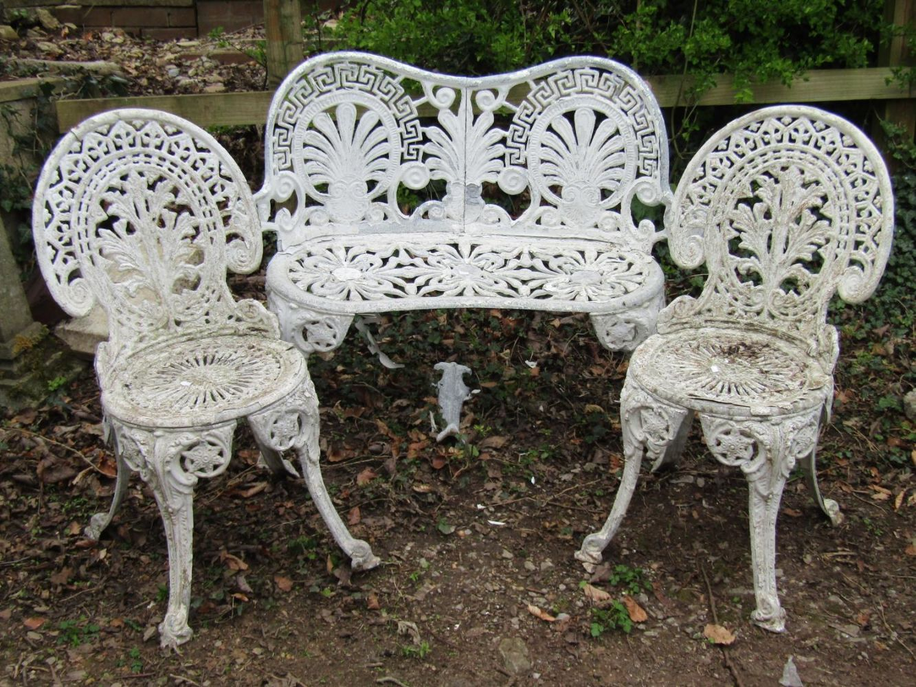 Specialist Garden Sale, Approx 600 lots of Garden Antiques and later Reclaimed Gardenalia