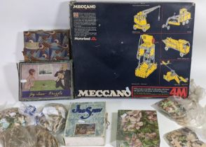 Meccano Motorised 4M box set (unchecked) together with 4 boxed wooden jigsaw puzzles (2 by Chad