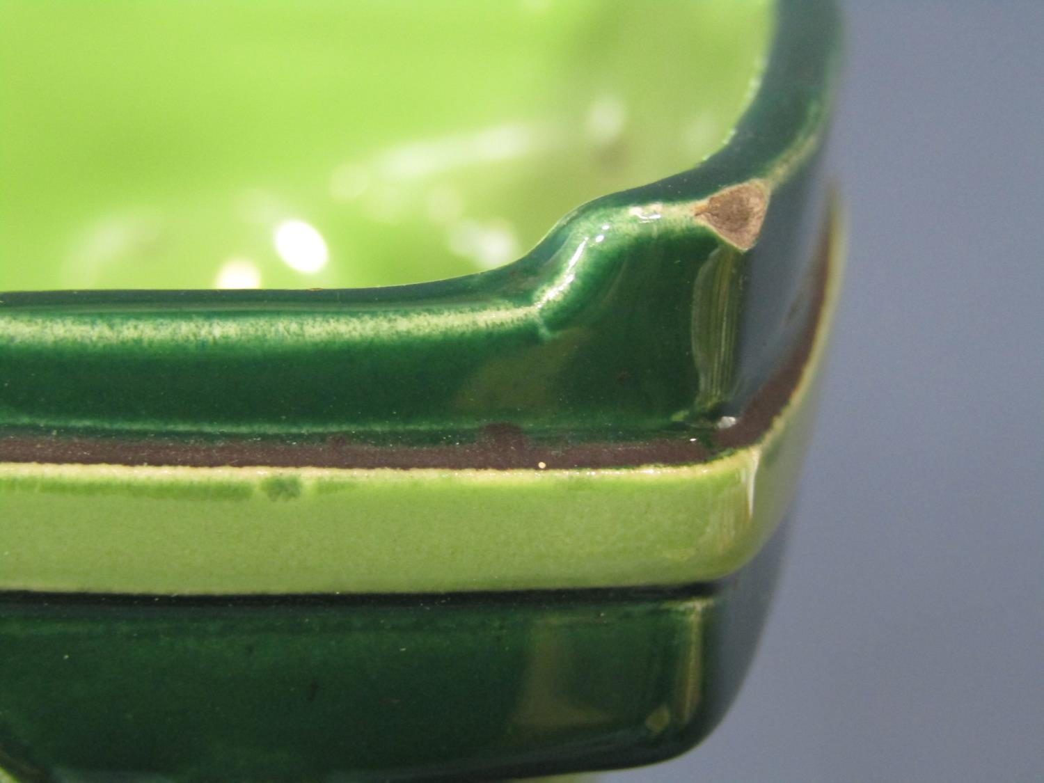An early 20th century continental Eichwald two handled green ground vase in the art nouveau manner - Bild 3 aus 4