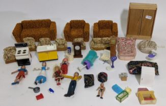 Collection of vintage dolls house furniture including a 1970's style 3 piece suite (one boxful)