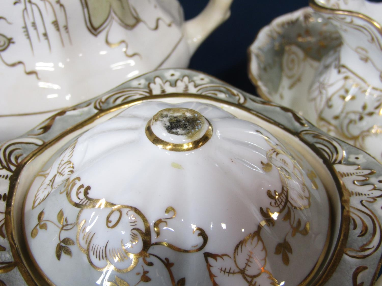 A quantity of Victorian tea wares with grey and gilt border decoration including a pair of covered - Bild 3 aus 3