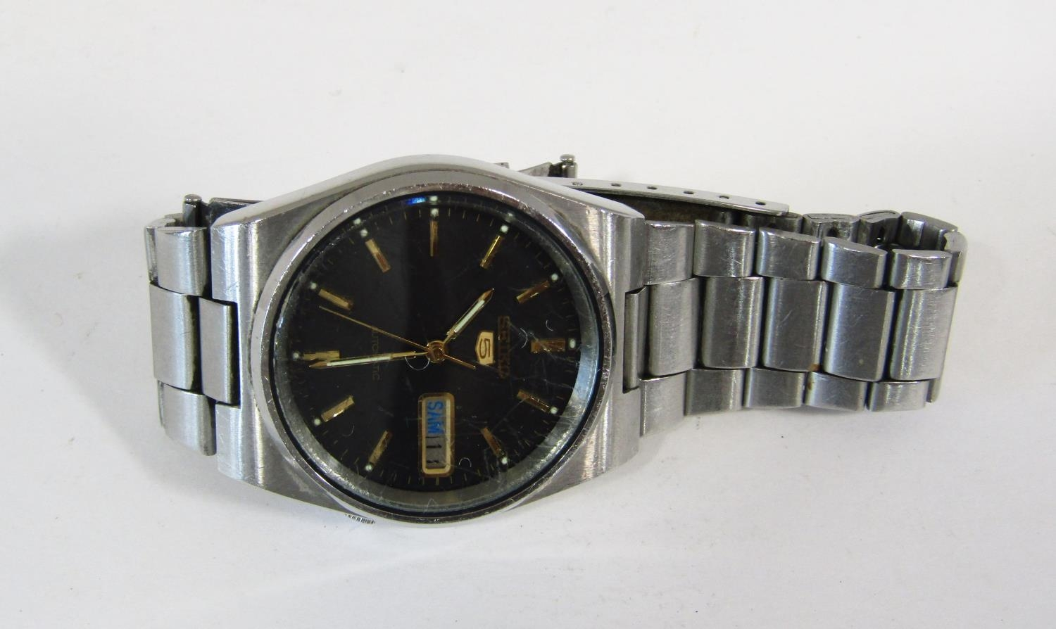 Seiko 5 automatic gents wristwatch, stainless steel case work, black dial with day date aperture - Image 3 of 3