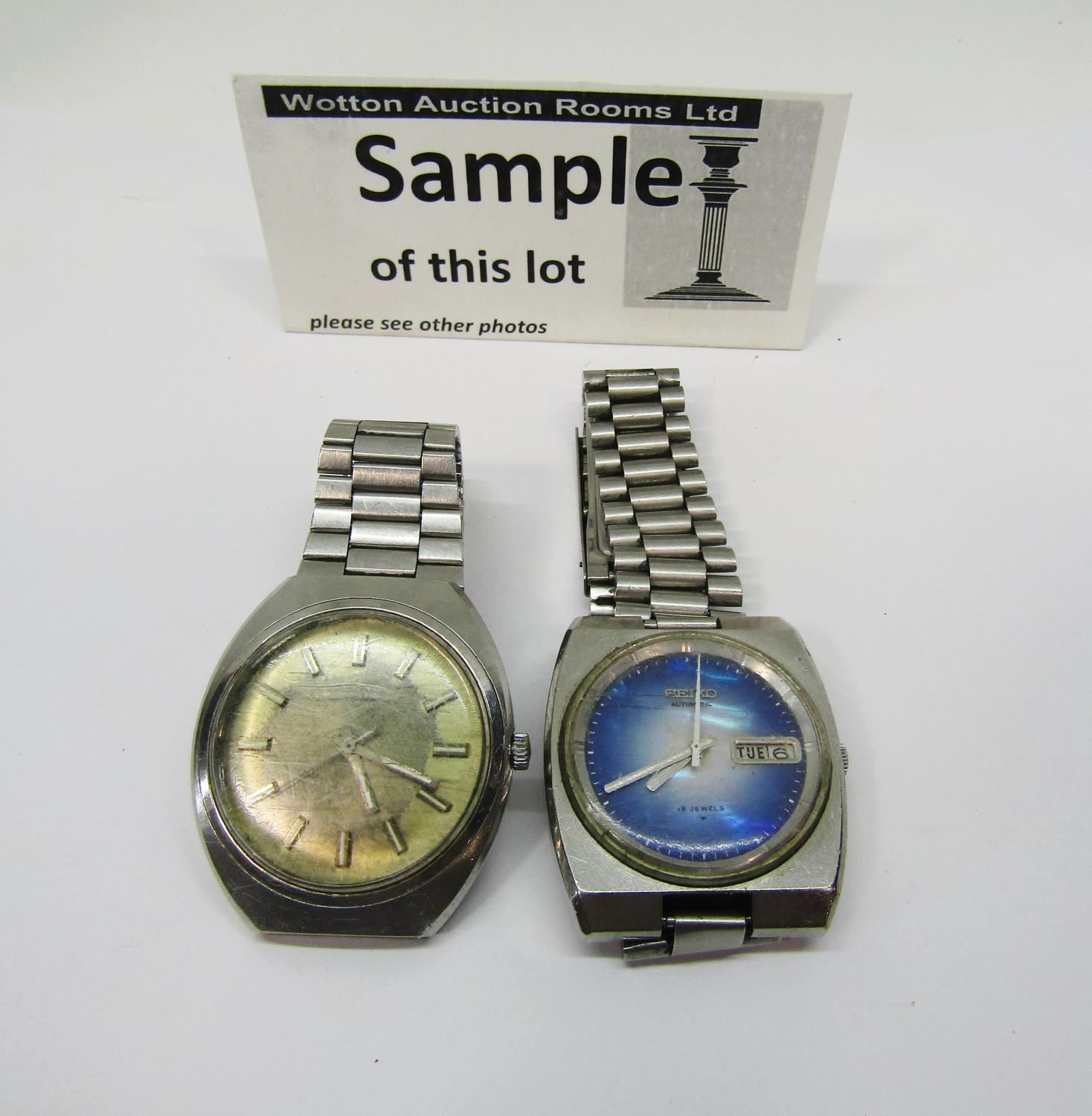 Mixed collection of watches to include a vintage Seiko Automatic TV Dial watch, with textured blue - Image 3 of 3