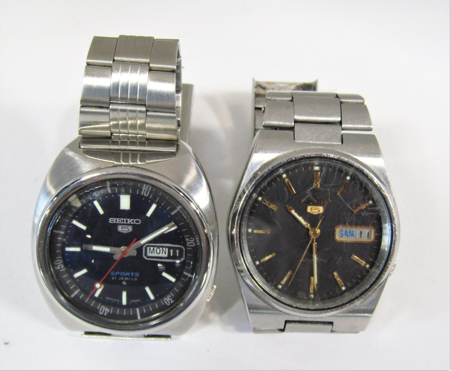 Seiko 5 automatic gents wristwatch, stainless steel case work, black dial with day date aperture