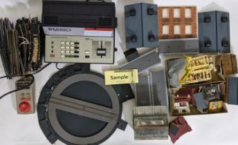 Collection of model rail items including Hornby Zero 1 R950 Master Control Unit with box, Hornby and