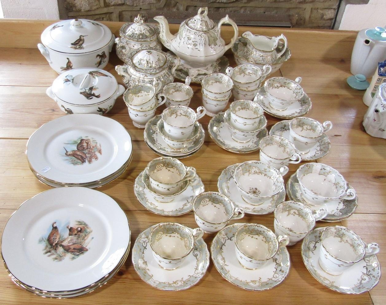 A quantity of Victorian tea wares with grey and gilt border decoration including a pair of covered - Bild 2 aus 3