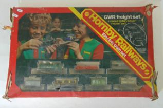 Hornby Electric train set includes a 0-6-0 steam locomotive No.8751 in GWR green livery (AF), 6