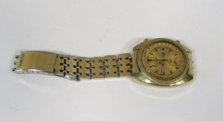 Vintage gent's Seiko chronograph automatic gold plated wristwatch, the gilt dial with black baton