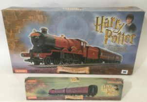 Hornby 00 gauge R1033 The Hogwarts Express Electric Train Set including playmat, appears complete,