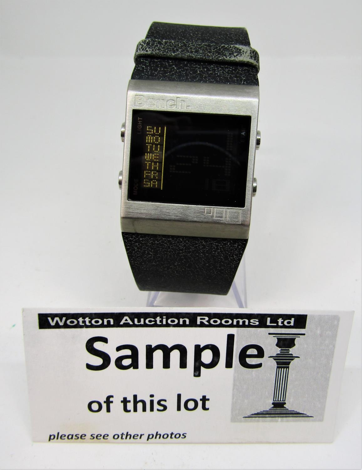 Three boxed fashion watches to include a Seiko kinetic 100m, with box and guarantee certificate, - Image 4 of 4