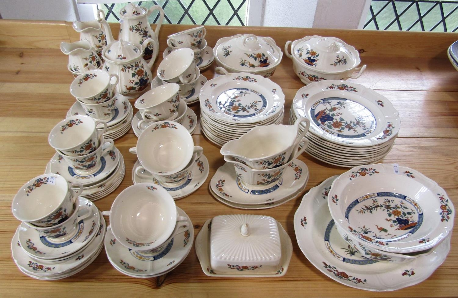 A large quantity of Wedgwood Chinese Teal pattern wares including oval serving plate, oval serving - Bild 2 aus 2