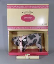 Steiff 1995 replica of the 1926 Spotted Pig (401190) in original box with certificate, limited