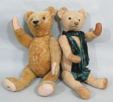 2 pre WW2 teddy bears, both with a firmly stuffed jointed body and long pronounced nose; smaller