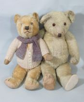 2 early to mid 20th century teddy bears the larger probably by Chiltern, both with glass eyes,