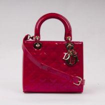 Christian Dior. Lady Dior Bag Kirschrot.