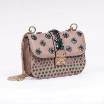 Valentino Garavani. Shoulder Bag mit Swarovski-Blüten.