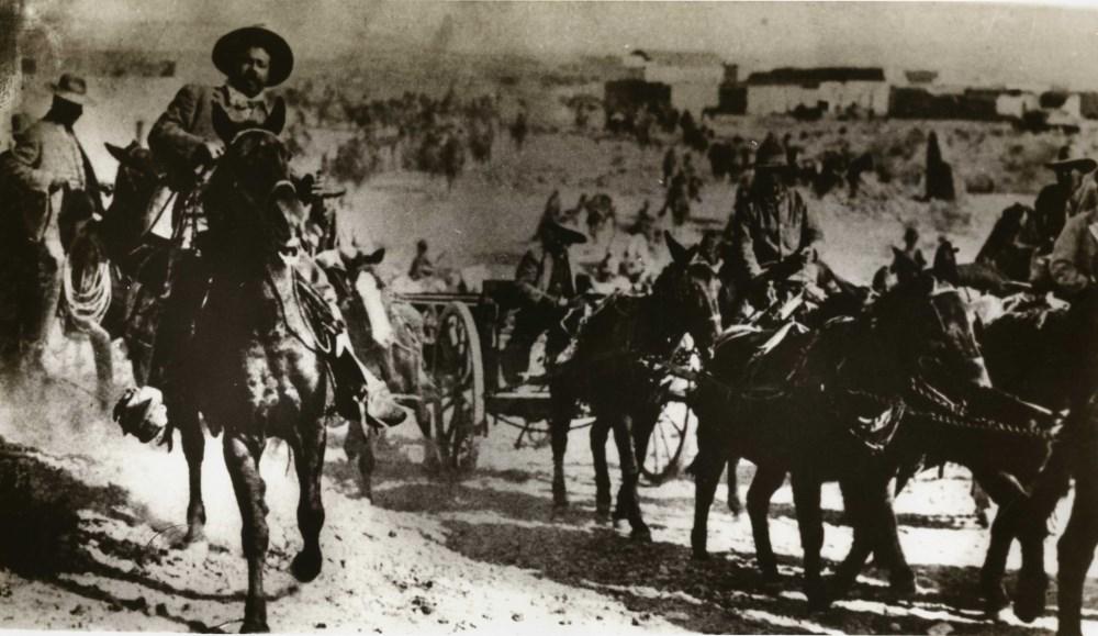 "AGUSTIN VICTOR CASASOLA - Francisco ""Pancho"" Villa en la Toma de Torreon - Imagen Completa [Mexic..."